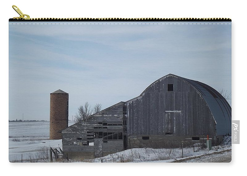 Elkader Iowa Carry-all Pouch featuring the photograph Old Barn by Bonfire Photography