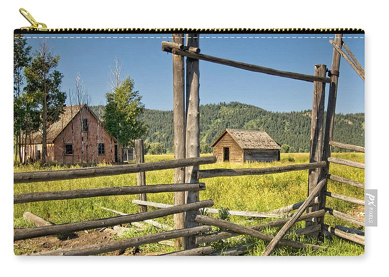 Wyoming Carry-all Pouch featuring the photograph Old Farmhouse by Claudia Kuhn