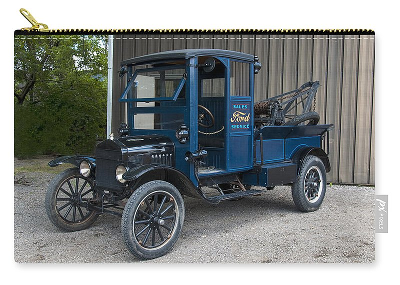 Vehicle Carry-all Pouch featuring the photograph Old Ford Wrecker by Paul Cannon