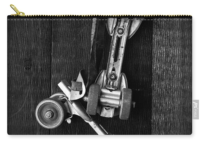 Toy Carry-all Pouch featuring the photograph Old Friends by Edward Fielding