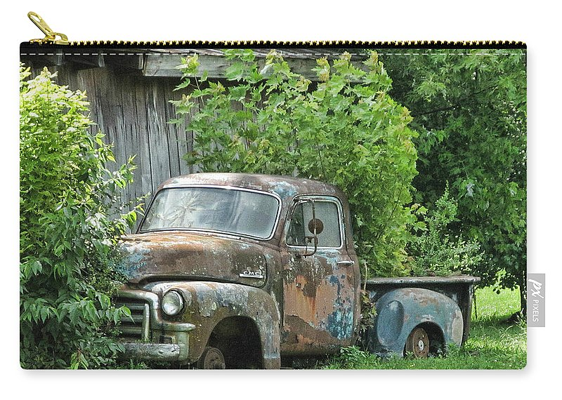 Victor Montgomery Carry-all Pouch featuring the photograph Old Gmc by Victor Montgomery