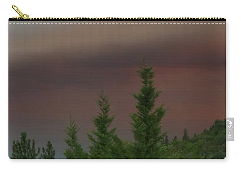 Ominous Carry-all Pouch featuring the photograph Ominous Smoke Cloud Covers The Rogue Valley by Mick Anderson