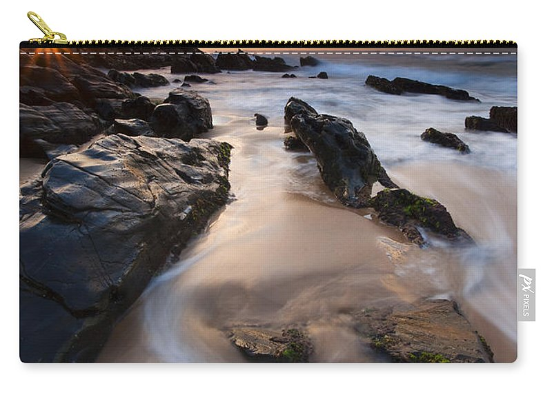 Basham Beach Carry-all Pouch featuring the photograph On The Rocks by Mike Dawson