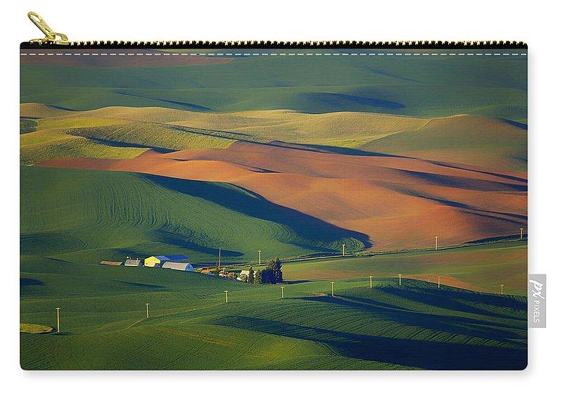 Palouse Carry-all Pouch featuring the photograph Palouse - Washington - Farms - 1 by Nikolyn McDonald