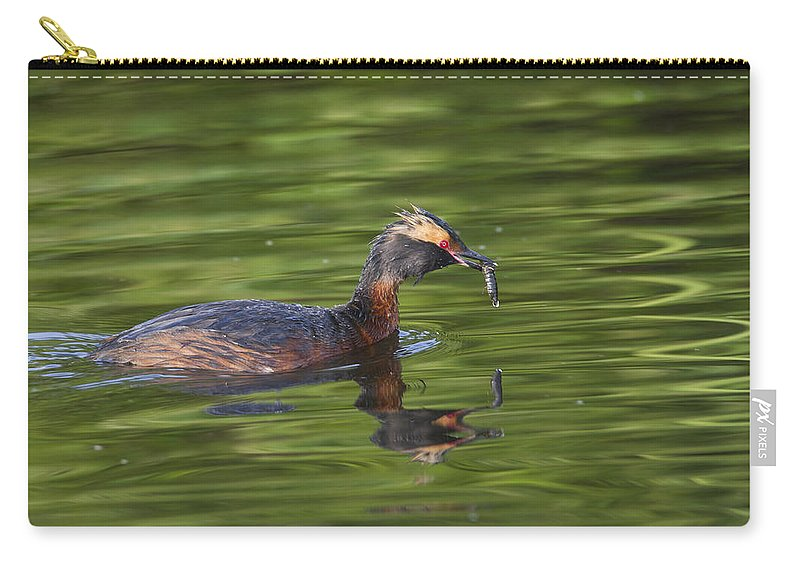 Doug Lloyd Carry-all Pouch featuring the photograph Quick Lunch by Doug Lloyd