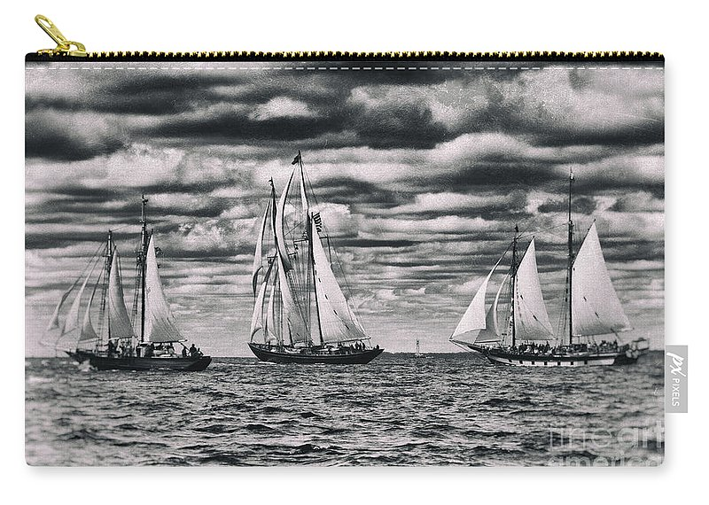 Tall Carry-all Pouch featuring the photograph Racing The Clock by Joe Geraci