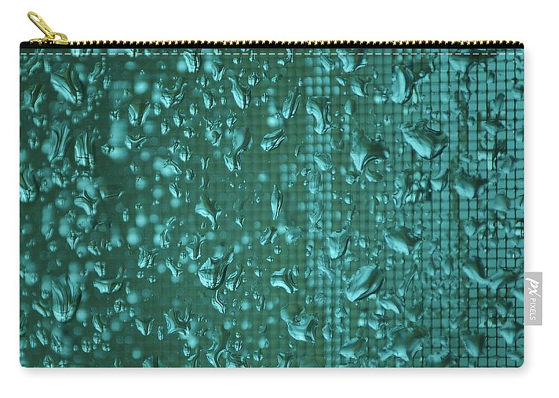 Linda Brody Carry-all Pouch featuring the photograph Raindrops On Window Iv by Linda Brody