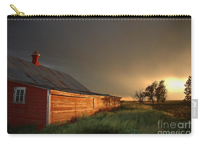 Barn Carry-all Pouch featuring the photograph Red Barn At Sundown by Jerry McElroy