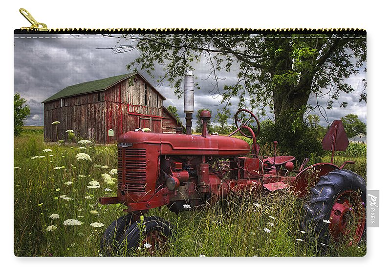Appalachia Carry-all Pouch featuring the photograph Reds In The Pasture by Debra and Dave Vanderlaan