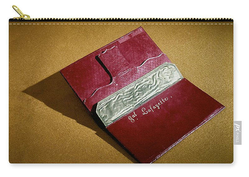 18th Century Carry-all Pouch featuring the photograph Rev War: Wallet by Granger