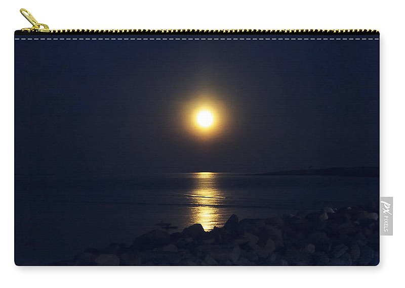Full Moon Carry-all Pouch featuring the photograph Rockport Moonrise by David Stone