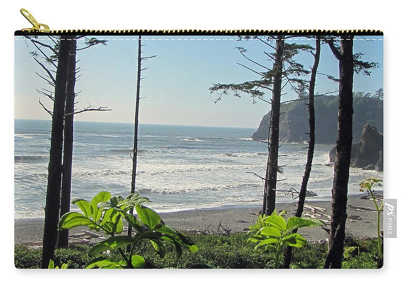 Ruby Beach Carry-all Pouch featuring the photograph Ruby Beach I by Tikvah's Hope