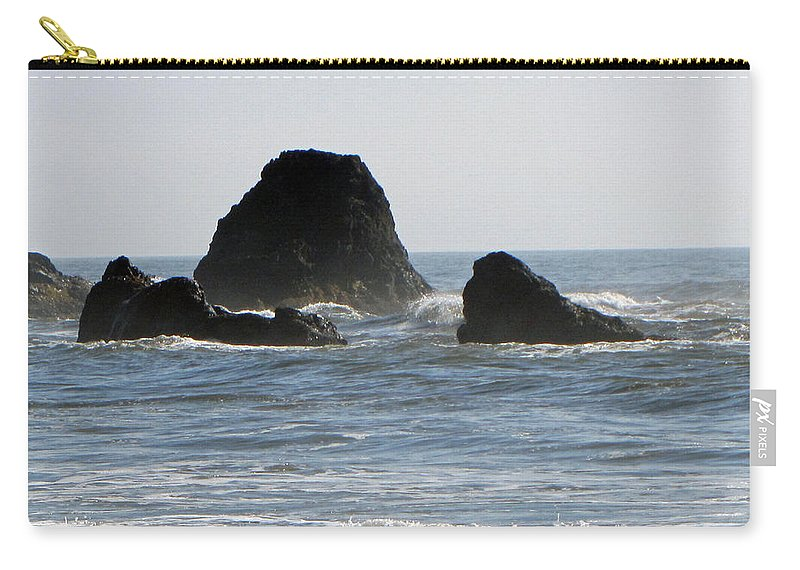 Terrie Heslop Carry-all Pouch featuring the photograph Ruby Beach Sea Stack by Tikvah's Hope