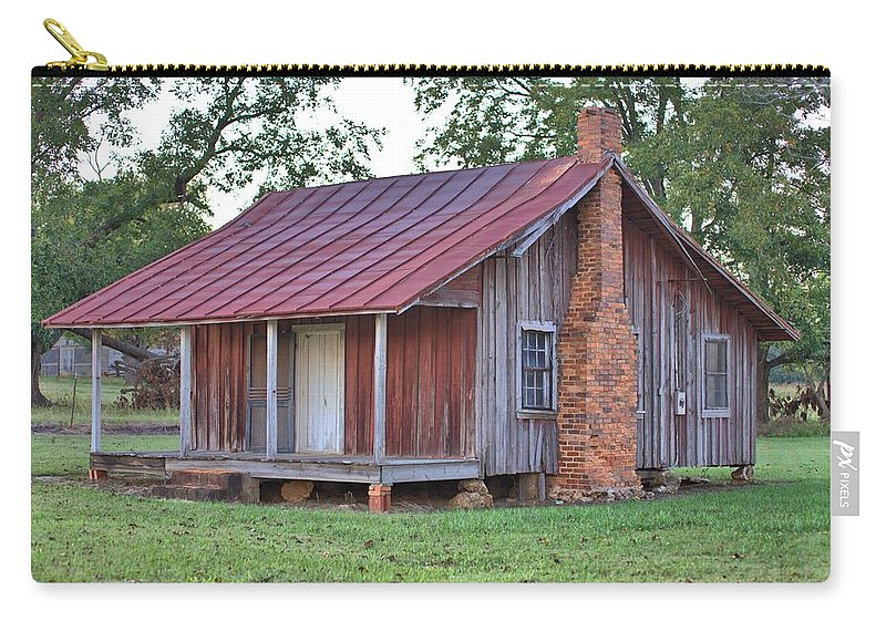 2647 Carry-all Pouch featuring the photograph Rural Georgia Cabin by Gordon Elwell