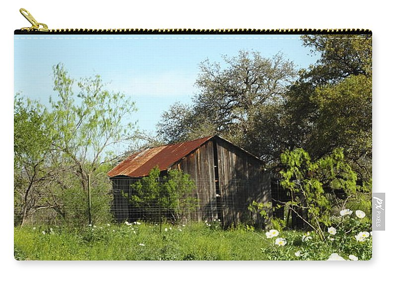 Barn Carry-all Pouch featuring the photograph Rustic Barn by Andrew McInnes