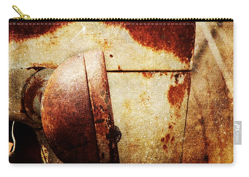 Rust Carry-all Pouch featuring the photograph Rusty Headlamp by Pam Holdsworth