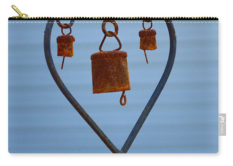 Heart Carry-all Pouch featuring the photograph Rusty Heart 1 by Alys Caviness-Gober