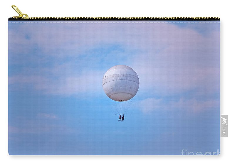 Balloon Carry-all Pouch featuring the photograph Sightseeing For Two by Ann Horn