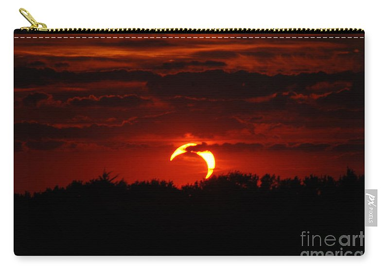 Eclipse Carry-all Pouch featuring the photograph Smokin Moon by Mark McReynolds