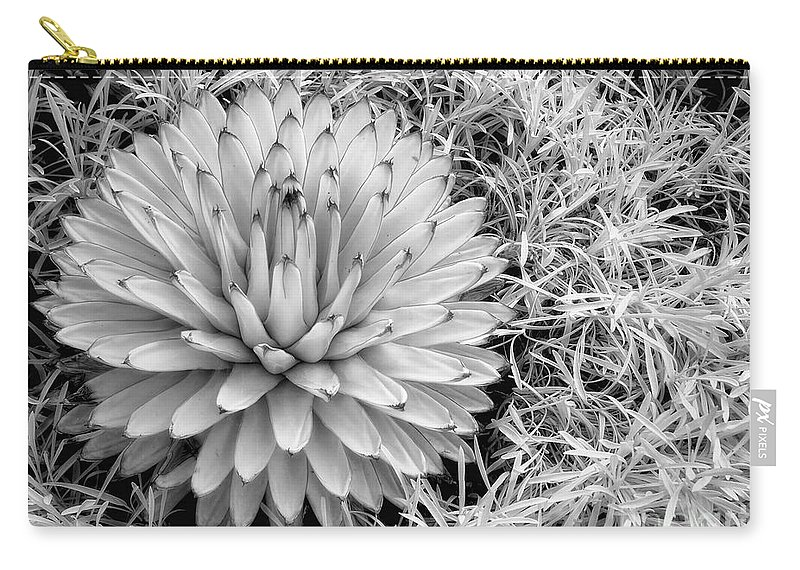 Ir Carry-all Pouch featuring the photograph Spiky by Claudia Kuhn
