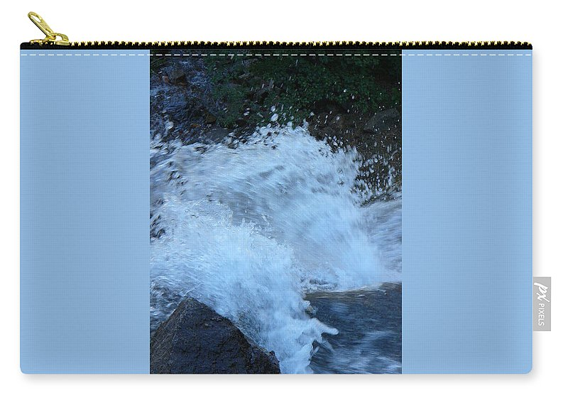 Lyle Carry-all Pouch featuring the painting Splash by Lord Frederick Lyle Morris - Disabled Veteran