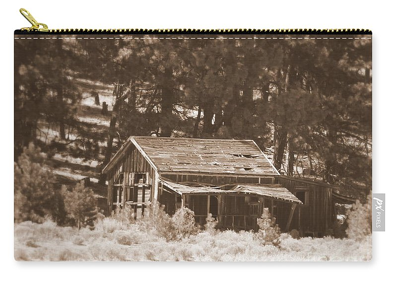Homestead Carry-all Pouch featuring the photograph Sunny With Two Porches by Carol Groenen