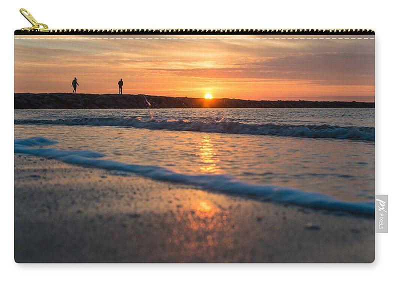 New Jersey Carry-all Pouch featuring the photograph Sunset Tourists by Kristopher Schoenleber