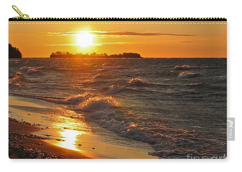 Sunset Carry-all Pouch featuring the photograph Superior Sunset by Ann Horn