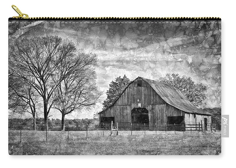 Barn Carry-all Pouch featuring the photograph Tennessee Barn by Diana Powell
