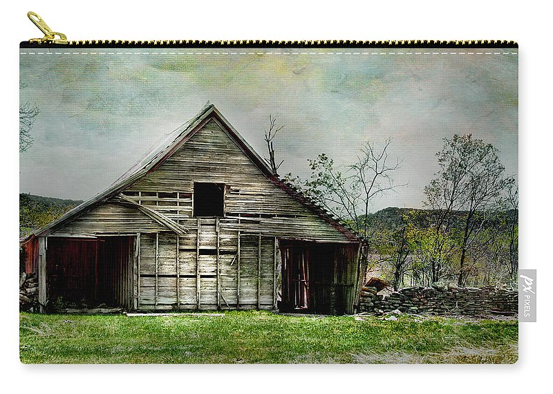 Barn Carry-all Pouch featuring the photograph The Old Barn by David and Carol Kelly
