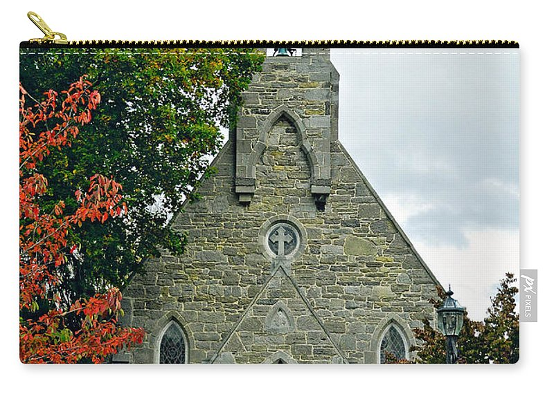 Pennsylvania Carry-all Pouch featuring the photograph The Red Door by Steve Harrington