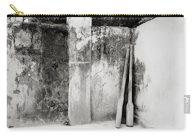 Simplicity Carry-all Pouch featuring the photograph The Spice Business by Shaun Higson