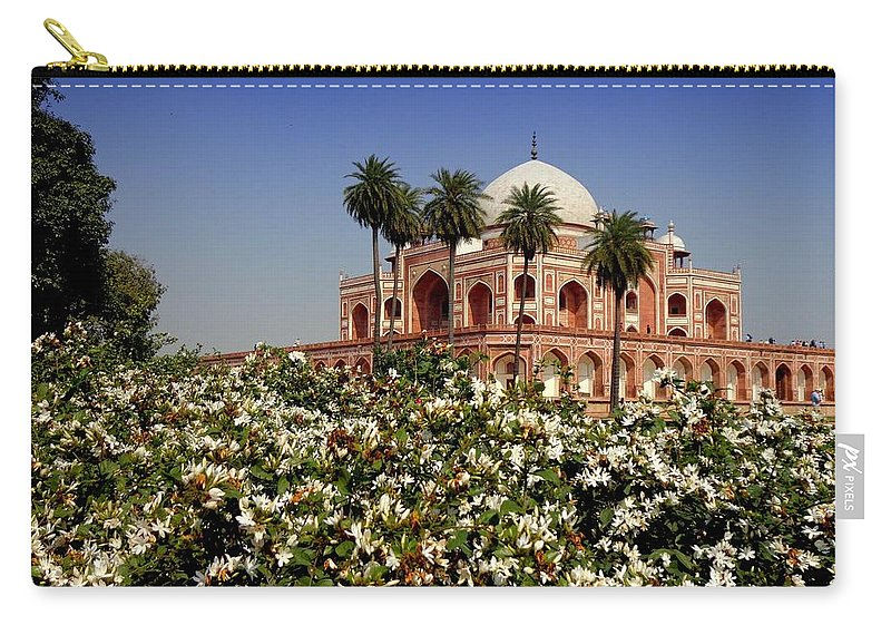 Tranquility Carry-all Pouch featuring the photograph Tomb Of Humayun by Smit Sandhir
