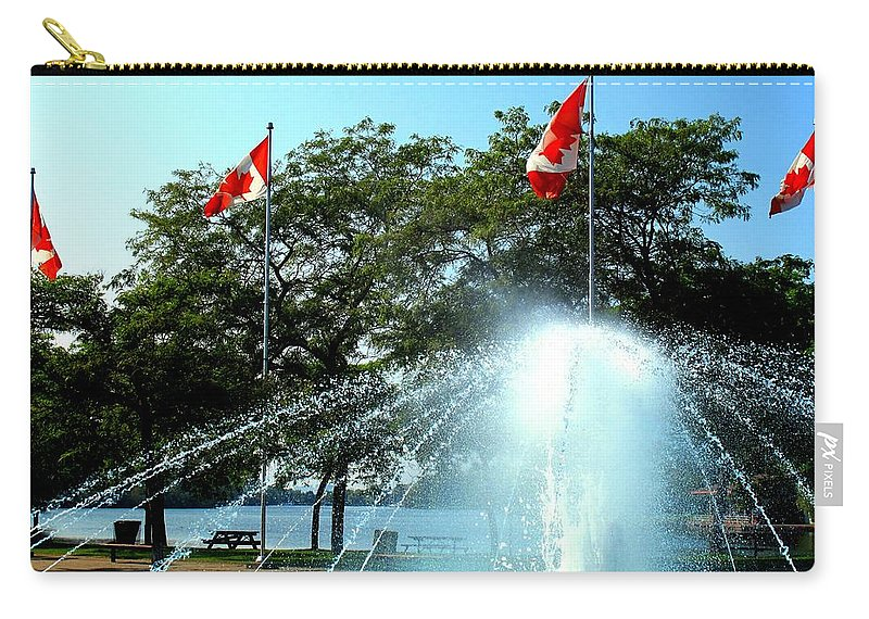Toronto Carry-all Pouch featuring the photograph Toronto Island Fountain by Ian MacDonald