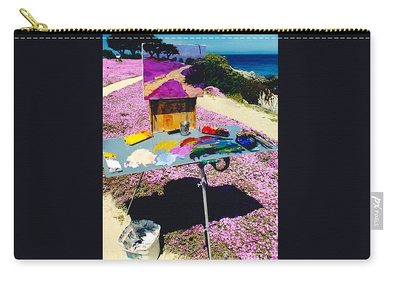 Artist Pallet Carry-all Pouch featuring the photograph Oceanview Pinks by Phyllis Kaltenbach