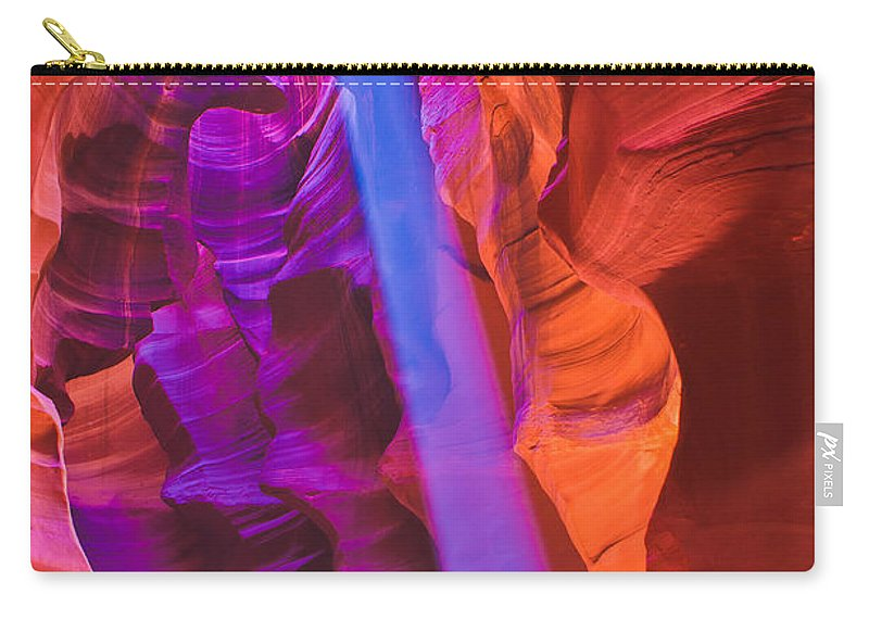 Antelope Canyon Carry-all Pouch featuring the photograph Upper Canyon 20 by Larry White