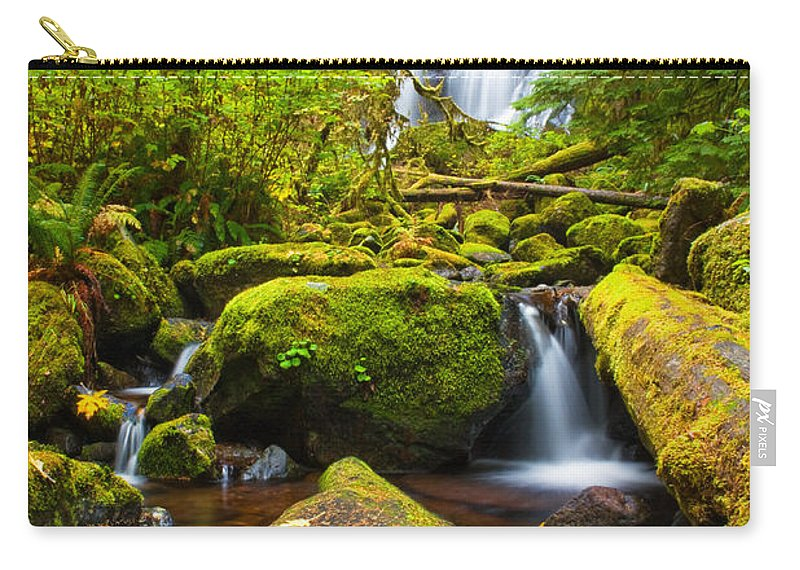 Douglas County Carry-all Pouch featuring the photograph Upper Kentucky Falls - Autumn by Patricia Davidson