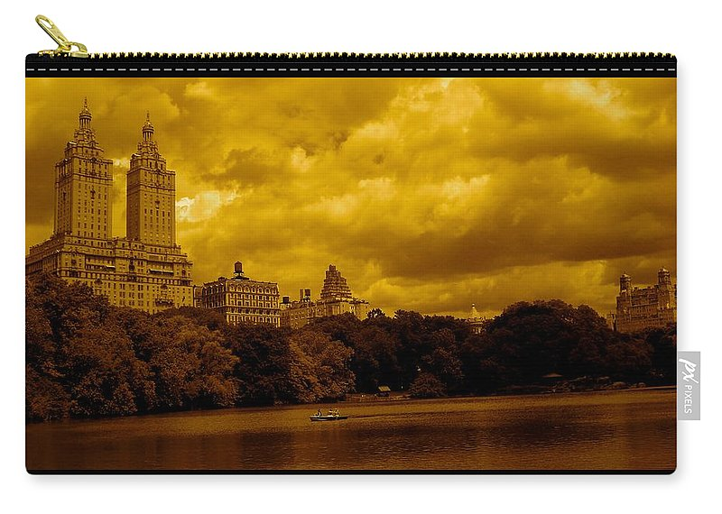 Iphone Cover Cases Carry-all Pouch featuring the photograph Upper West Side And Central Park by Monique Wegmueller