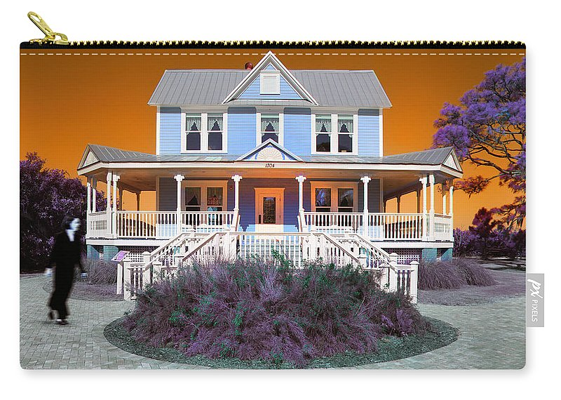 Valentine House Carry-all Pouch featuring the photograph Valentine House by Mal Bray