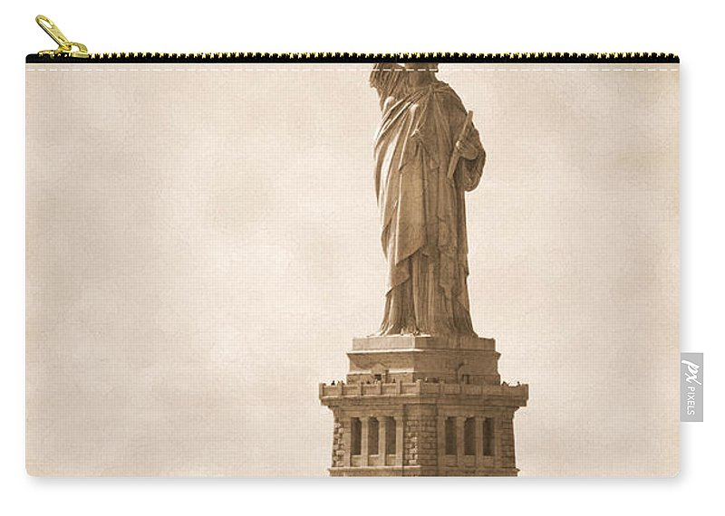Bw Carry-all Pouch featuring the photograph Vintage Statue Of Liberty by RicardMN Photography