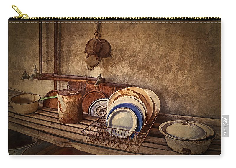Kitchen Carry-all Pouch featuring the photograph Vulture Kitchen by Priscilla Burgers