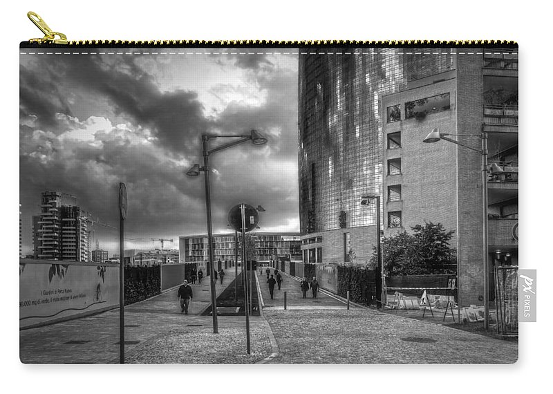 B&w Carry-all Pouch featuring the photograph Walking by Roberto Pagani