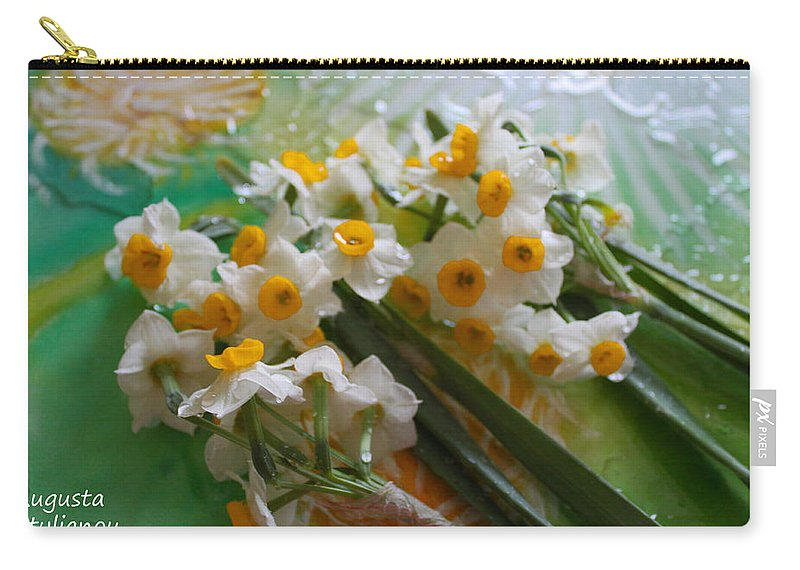 Augusta Stylianou Carry-all Pouch featuring the photograph Water Drops On A Bouquet by Augusta Stylianou