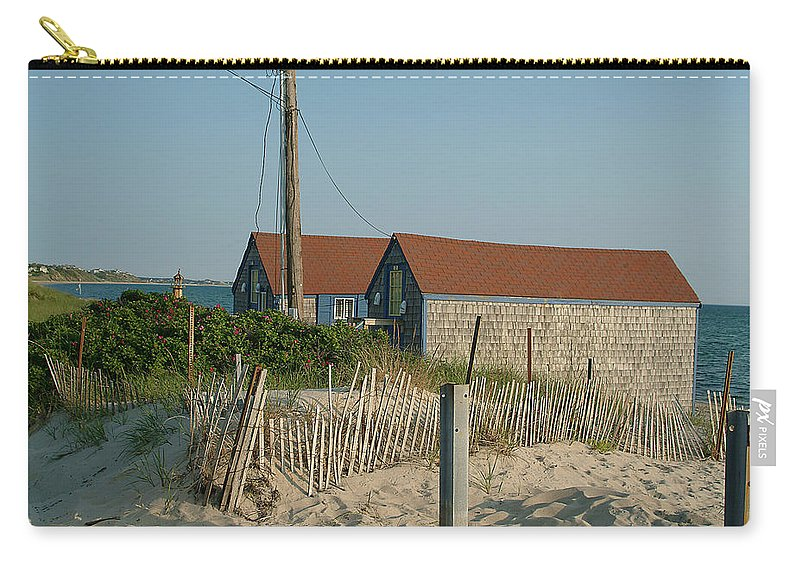 Water Carry-all Pouch featuring the photograph Waterfront Beach Cottages by Phyllis Tarlow