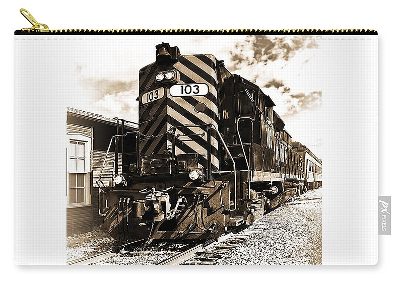 Railroad Carry-all Pouch featuring the photograph Wheeling And Lake Erie by Marcia Colelli