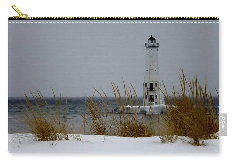Frankfort Mi Carry-all Pouch featuring the photograph Winter At Frankfort Lighthouse by Linda Kerkau
