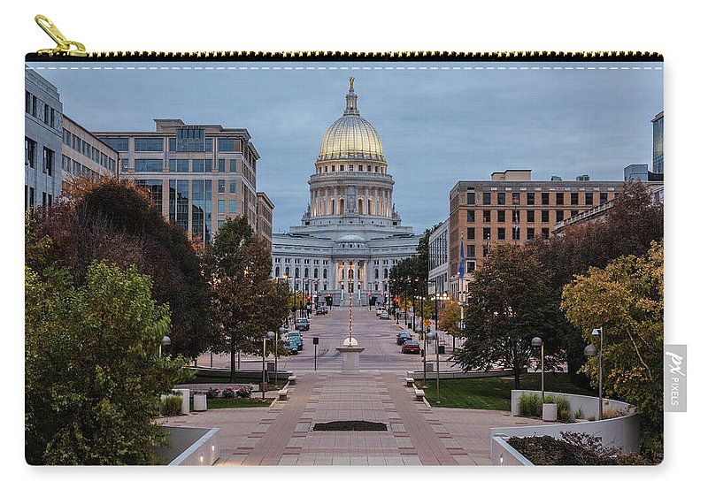 Land Vehicle Carry-all Pouch featuring the photograph Wisconsin State Capitol Building by Kenneth C. Zirkel