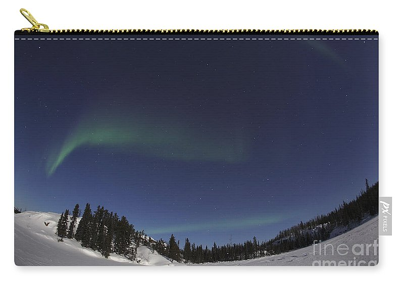 Aurora Carry-all Pouch featuring the photograph Aurora Over Vee Lake, Yellowknife by Yuichi Takasaka