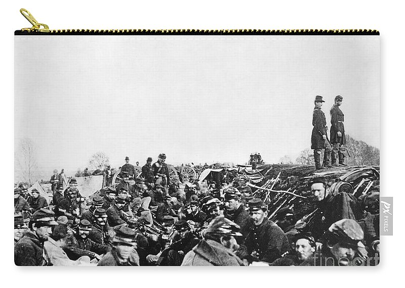 1864 Carry-all Pouch featuring the photograph Civil War: Petersburg, 1864 by Granger