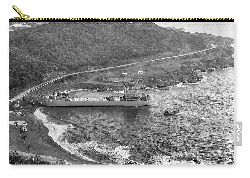 1962 Carry-all Pouch featuring the photograph Cuban Missile Crisis, 1962 by Granger